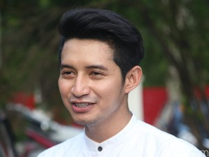 Perang Sarung Kenangan Masa Kecil Chand Kelvin Saat Ramadan