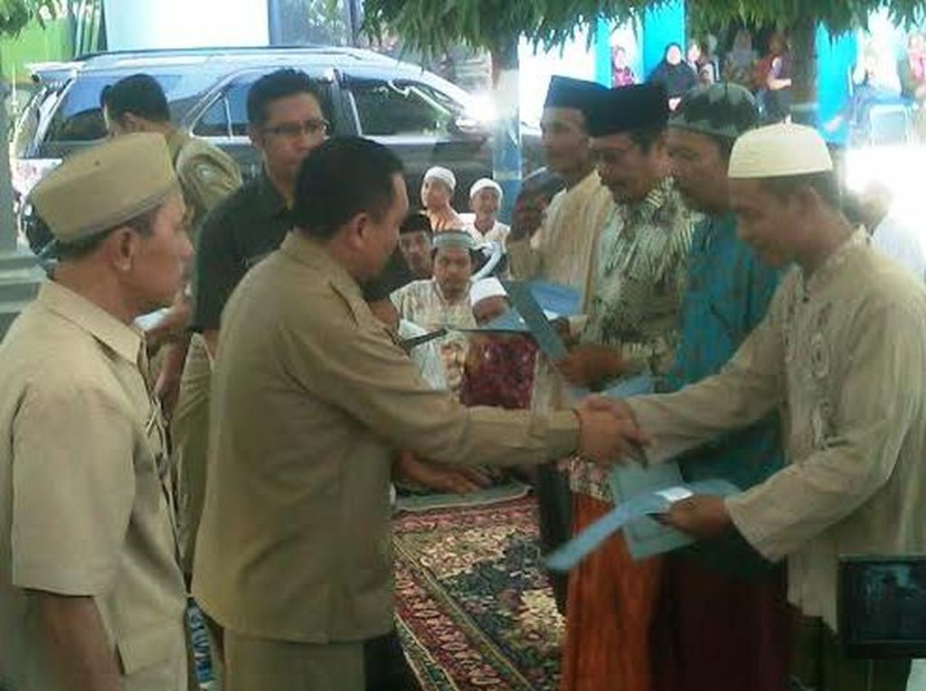 Ribuan Guru Ngaji di Situbondo Digerojok Uang Rp 3,3 Miliar