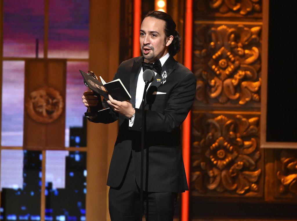Lin-Manuel Miranda Tulis Buku soal 20 Tahun di Dunia Broadway