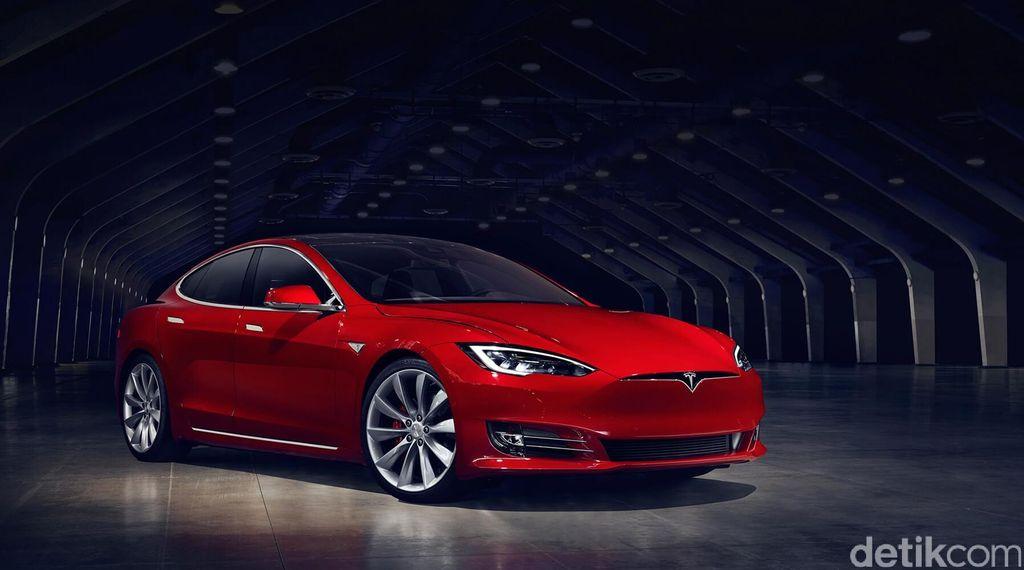 Putranya Tewas Saat Aktifkan Fungsi Autopilot, Pria Asal China Gugat Tesla