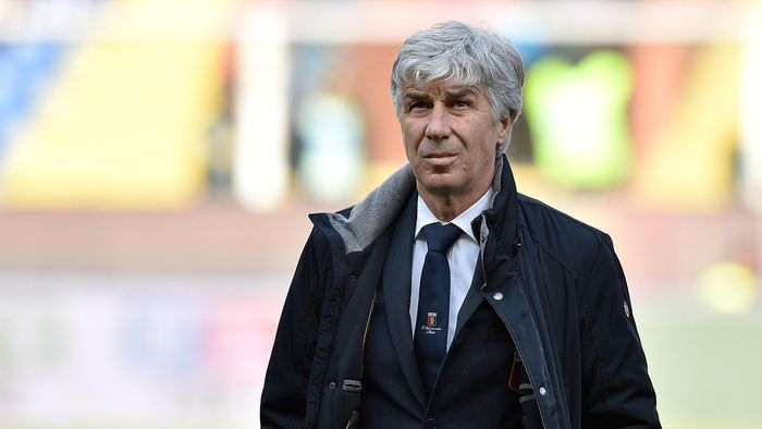 GENOA, ITALY - MARCH 13:  Genoa CFC head coach Gian Piero Gasperini looks on during the Serie A match between Genoa CFC and Torino FC at Stadio Luigi Ferraris on March 13, 2016 in Genoa, Italy.  (Photo by Valerio Pennicino/Getty Images)