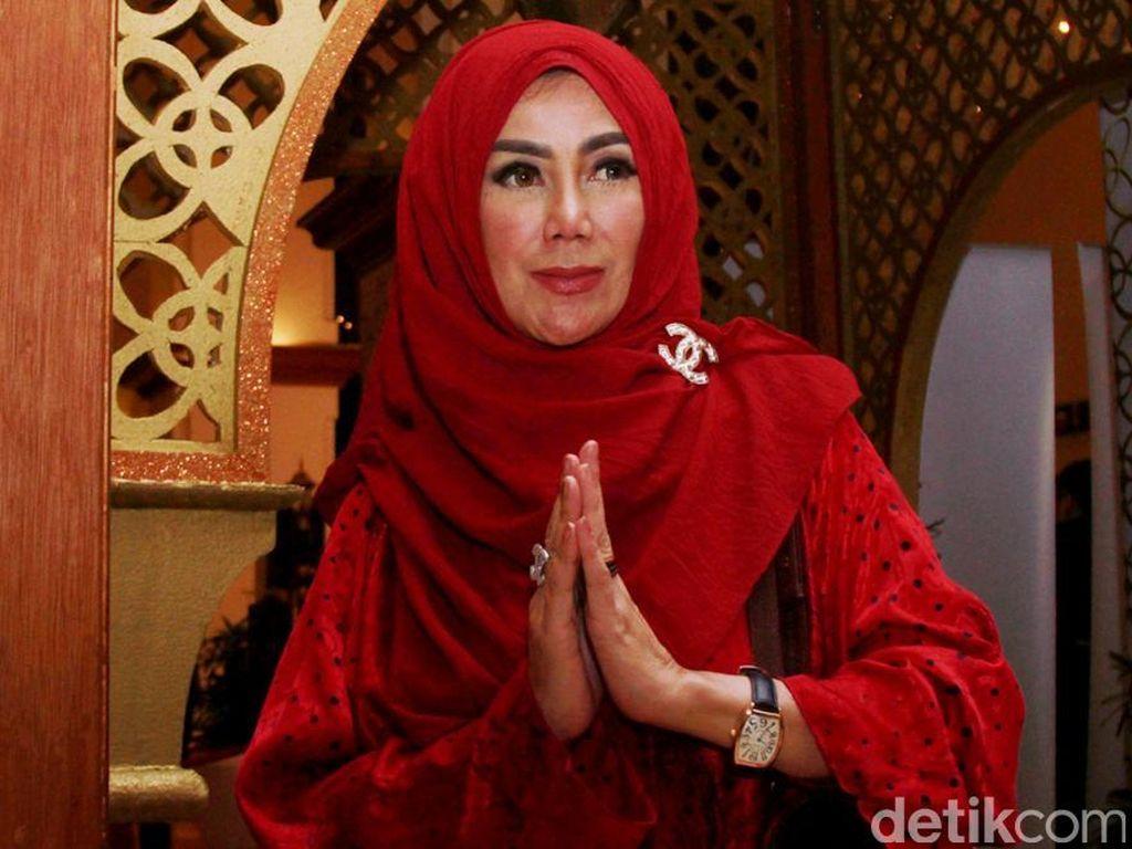Amy Qanita Serba Merah From Head to Toe