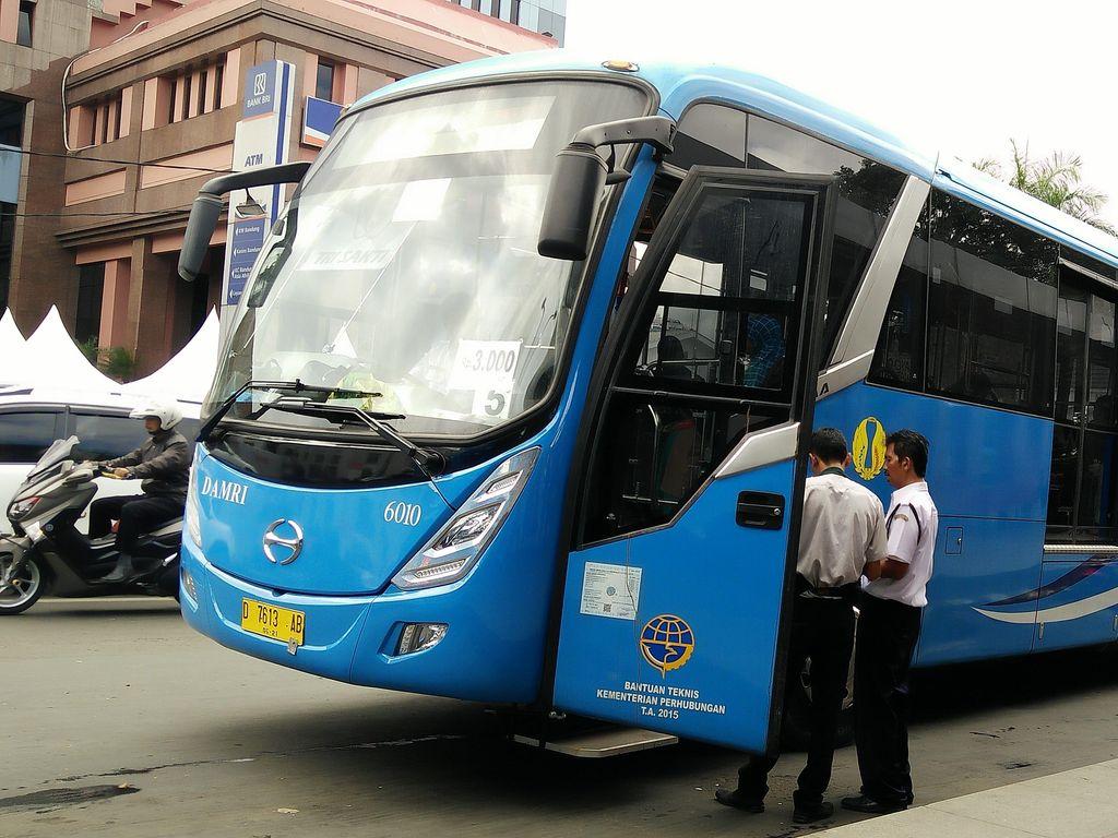 Bus Damri Soekarno-Hatta Berhenti Total