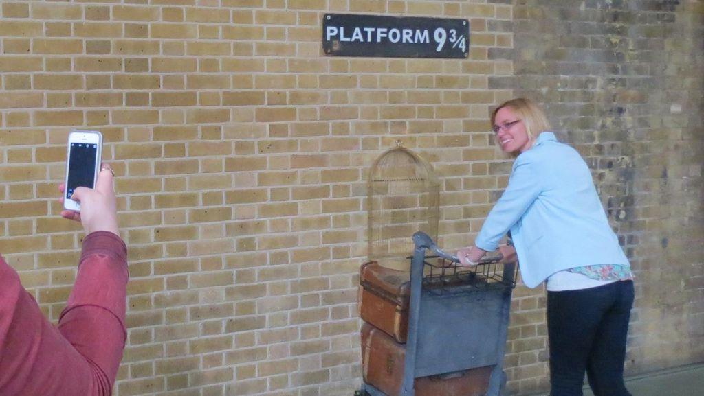 Peron 9 3/4 Harry Potter yang Legendaris