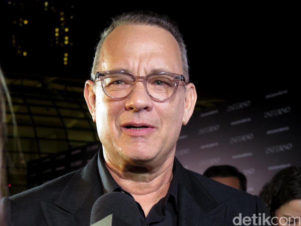 Kehadiran Tom Hanks di Red Carpet Inferno Disambut Fans Singapura