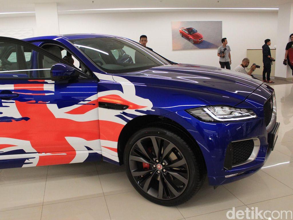 SUV Perdana Jaguar Mendarat di Jakarta