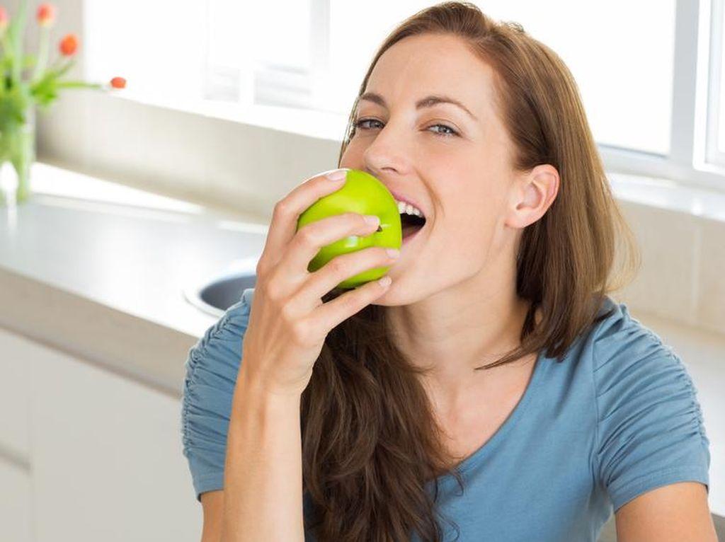 Ini Sebabnya Anda Perlu Konsumsi Apel dan Jambu dengan Kulitnya (1)