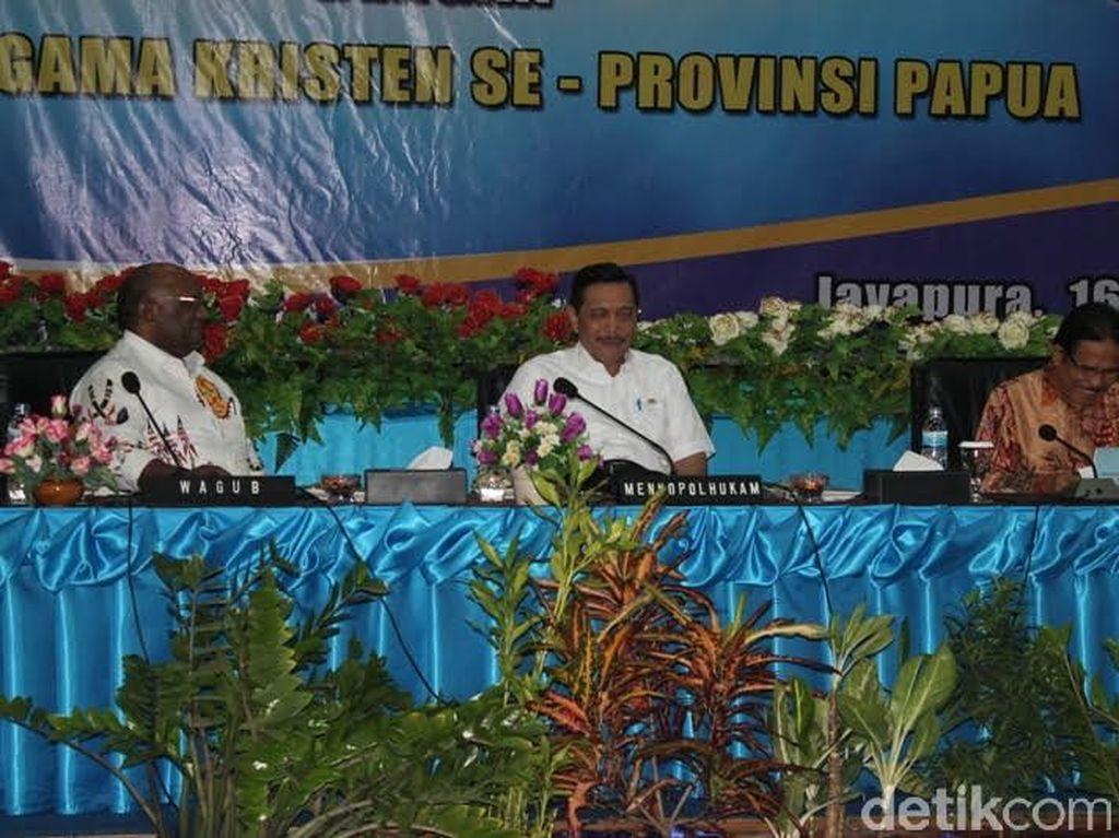 Menko Luhut Ajak Pendeta di Papua Ikut Perangi AIDS dan Narkoba
