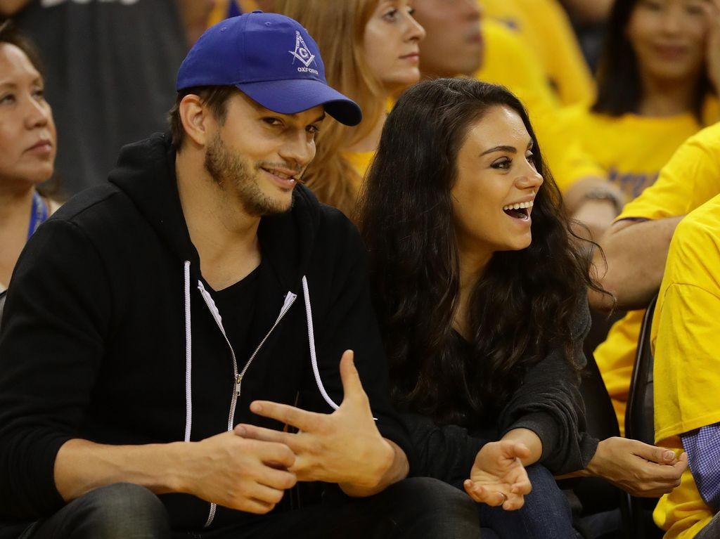 Mila Kunis dan Ashton Kutcher Tak Sabar Nantikan Kelahiran Anak Kedua