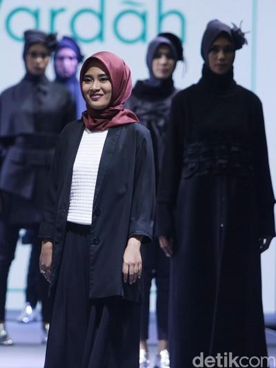 Gaya Hijab untuk Pemilik Tubuh Mungil ala  Restu Anggraini. Foto: Mohammad Abduh/Wolipop