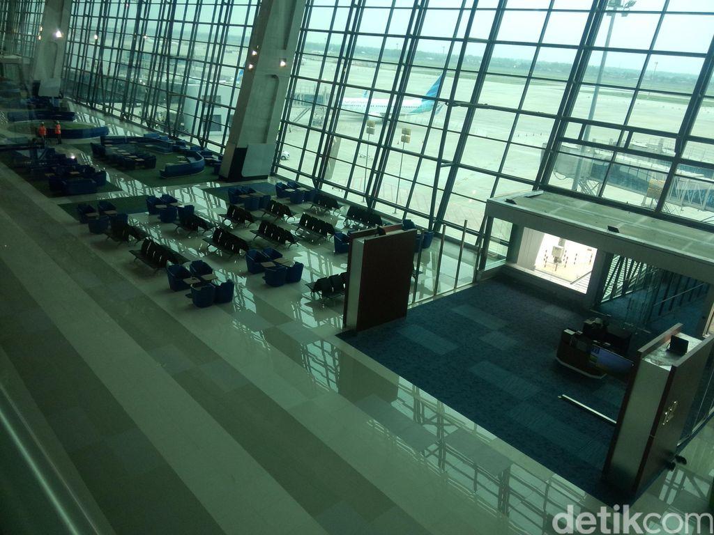 Kapan Badai Corona di Industri Penerbangan Bakal Berlalu?