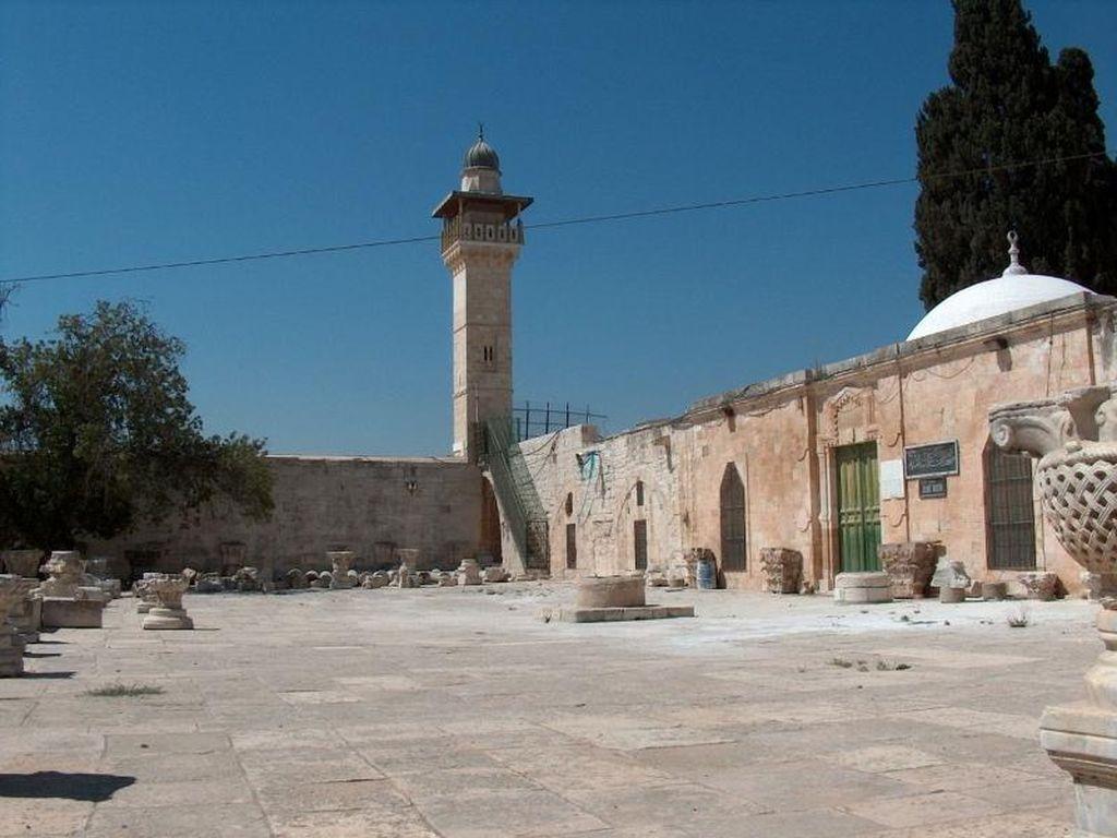 Harta Karun di Museum Islam Dekat Masjid Al Aqsa