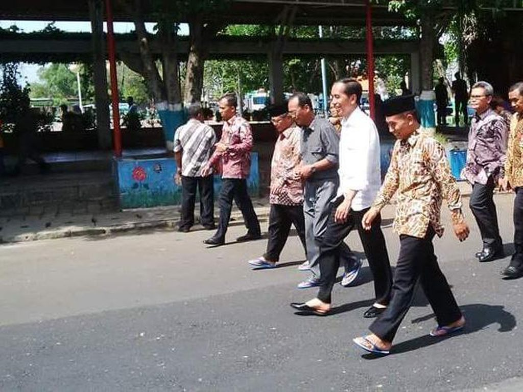 Cerita Keakraban Jokowi dan Bupati Yoyok Usai Groundbreaking Tol Batang