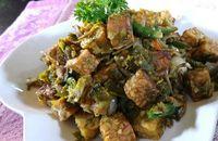Tempe dengan paduan teri enak disantap dengan nasi