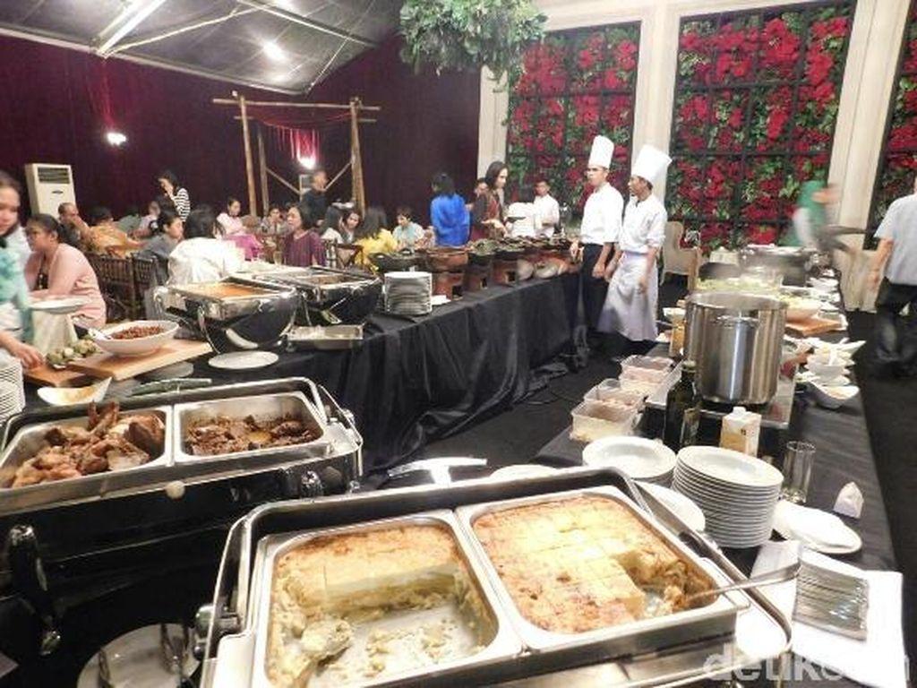 Party Tent Sajikan Puluhan Menu Istimewa untuk Berbuka Puasa