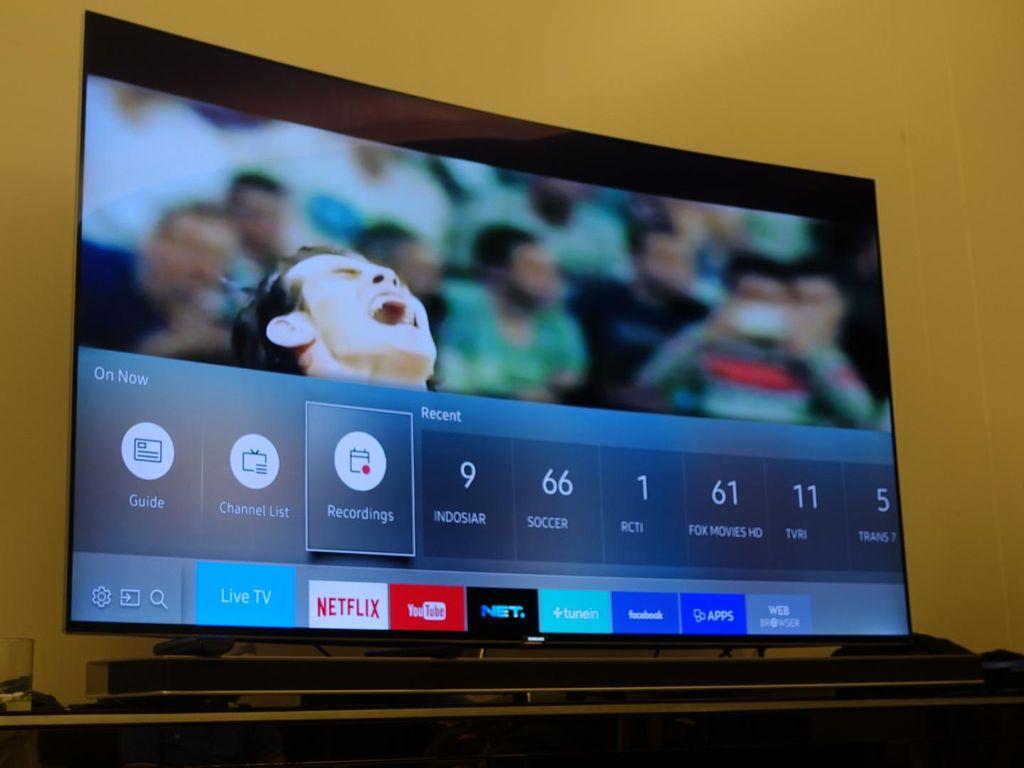 Sensasi Menonton Euro 2016 di TV Layar Lengkung
