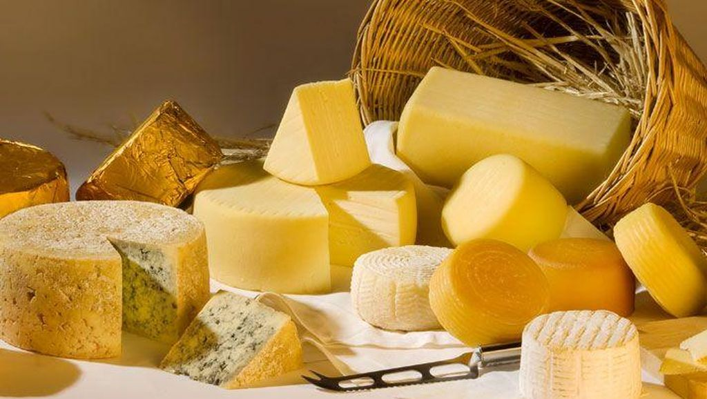 Bagaimana Cara Membedakan Keju Parmesan, Parmigiano dan Pecorino?