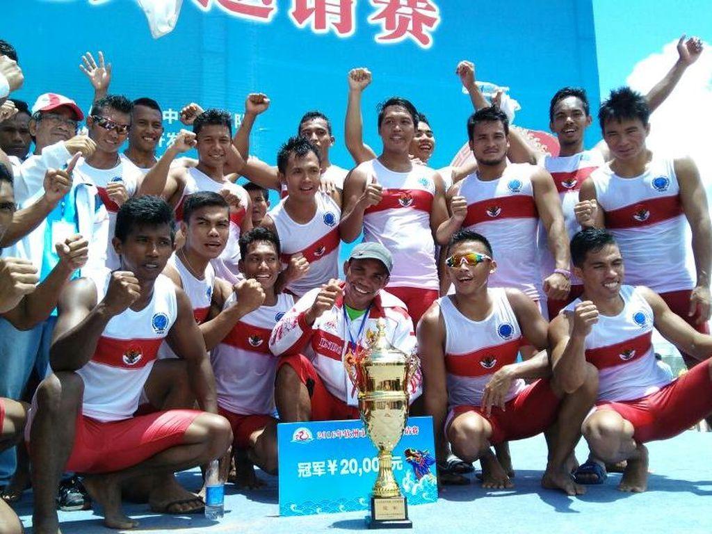 Tim Perahu Naga Indonesia Raih Sukses di China