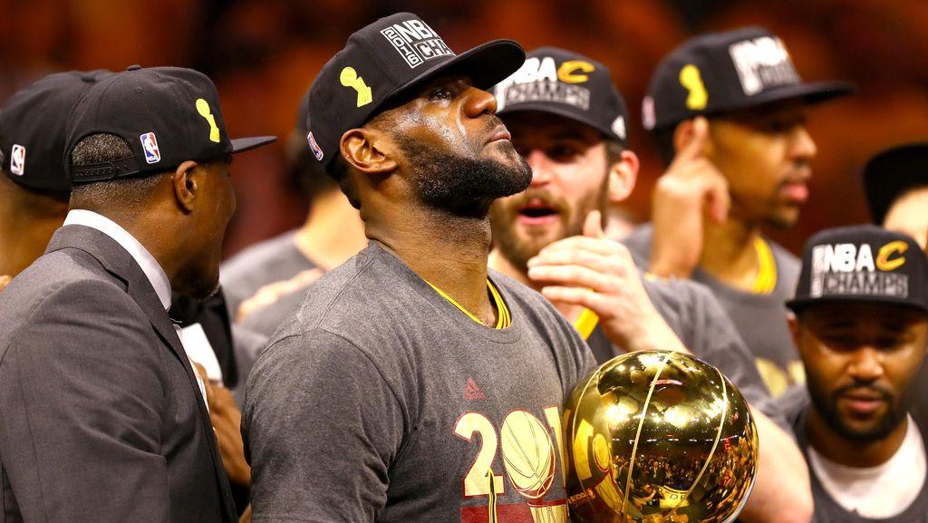 King James Penuhi Janjinya kepada Cleveland