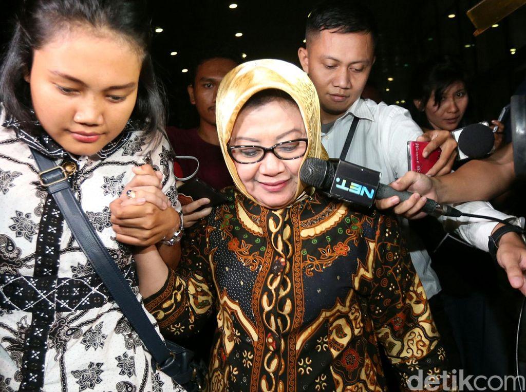 PLT Bupati Subang Imas Diperiksa KPK 9 Jam