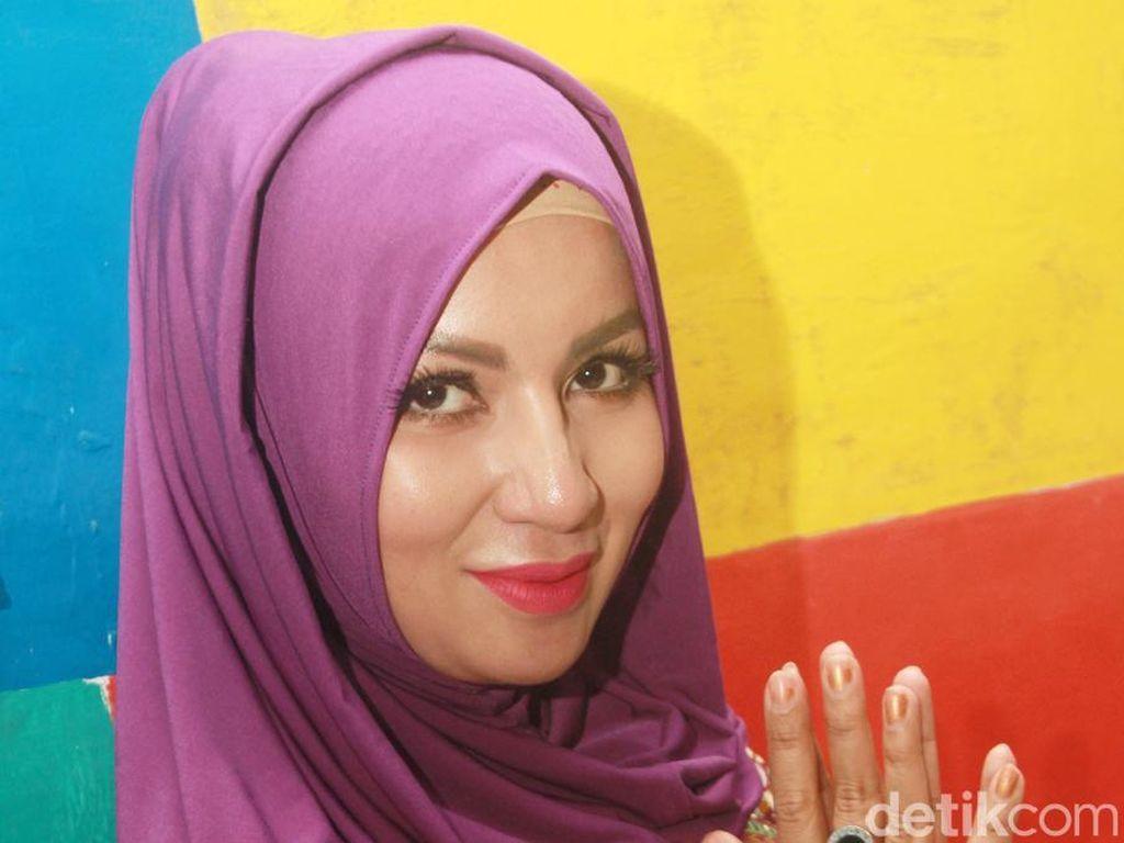 Sudah Hijrah, Five Vi Hapus Foto Tak Berhijab dan Memohon Ini