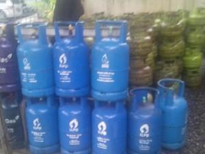 Polisi Bongkar Pangkalan Gas Oplosan 12 Kg di Tangerang Selatan