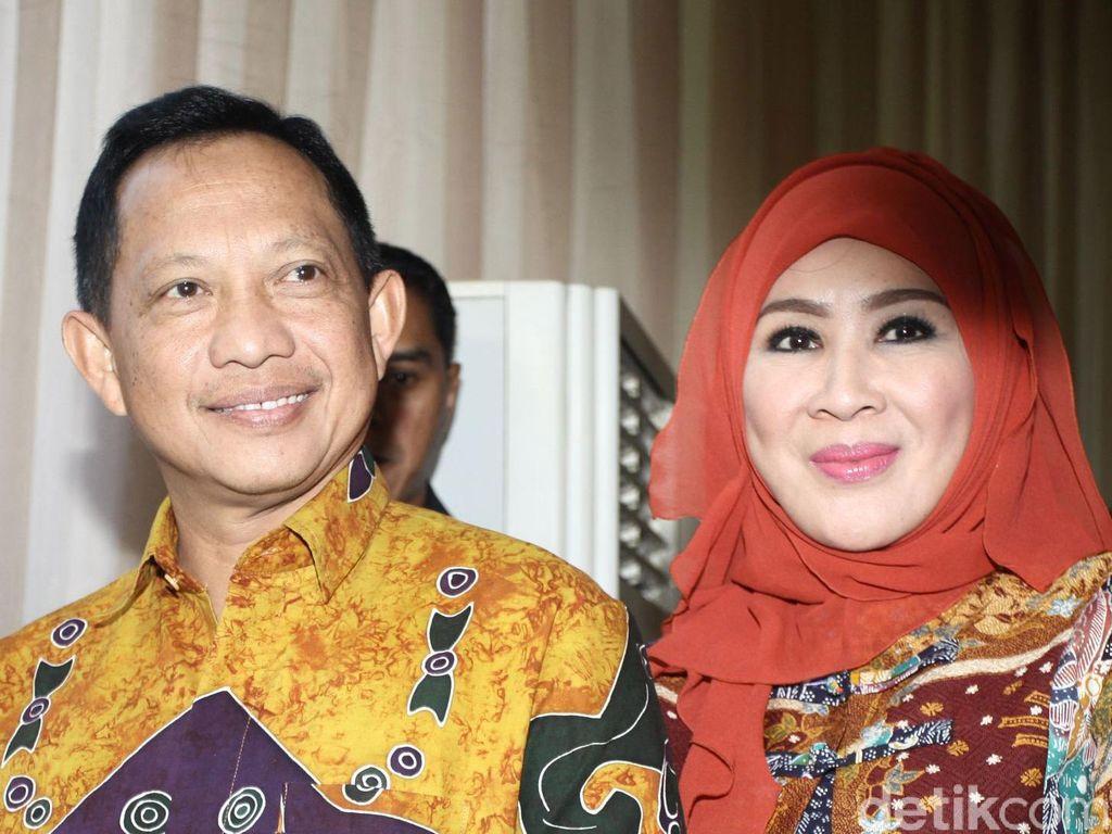 Jokowi Minta Istri Mendagri dan PKK Terjun Kampanye Masker Door to Door