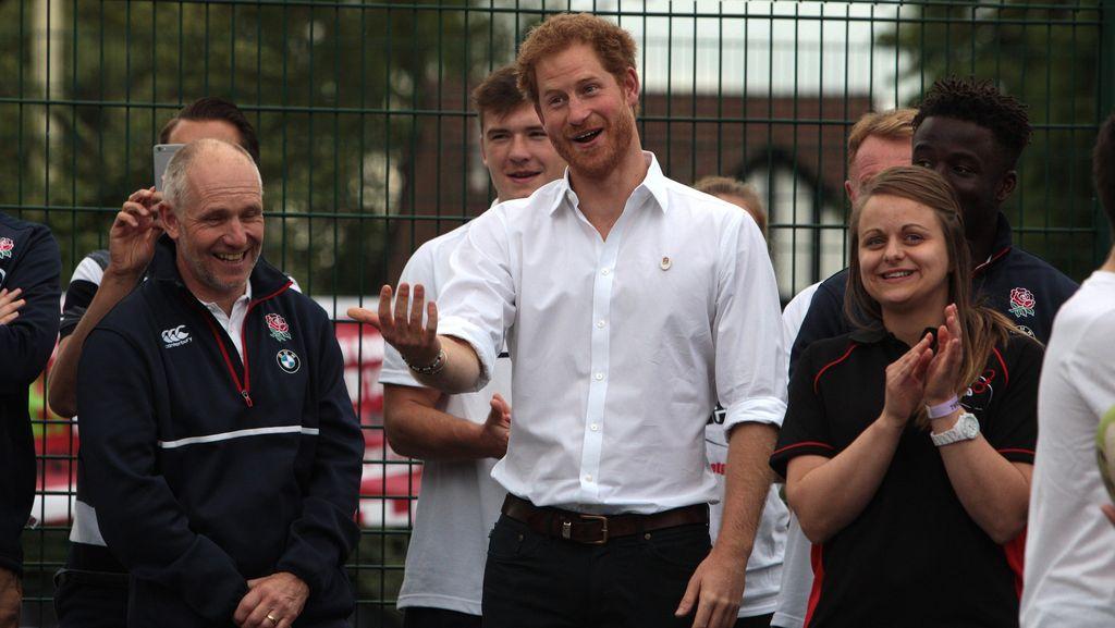 Canda Pangeran Harry Tentang Mitos Kehidupan Seks Keluarga Kerajaan
