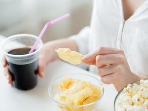 Inilah 9 Kebiasaan yang Bisa Mengganggu Pola Makan Sehat (1)