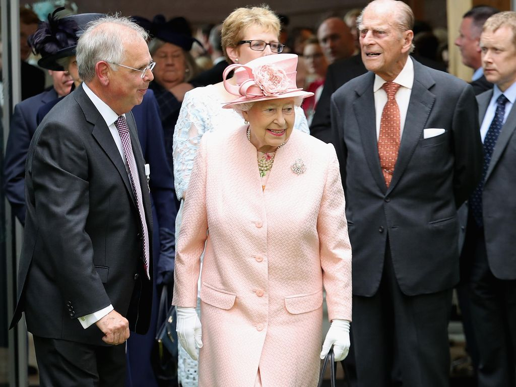 9 Hal yang Harus Dilakukan Jika Kamu Bertemu dengan Ratu Elizabeth II