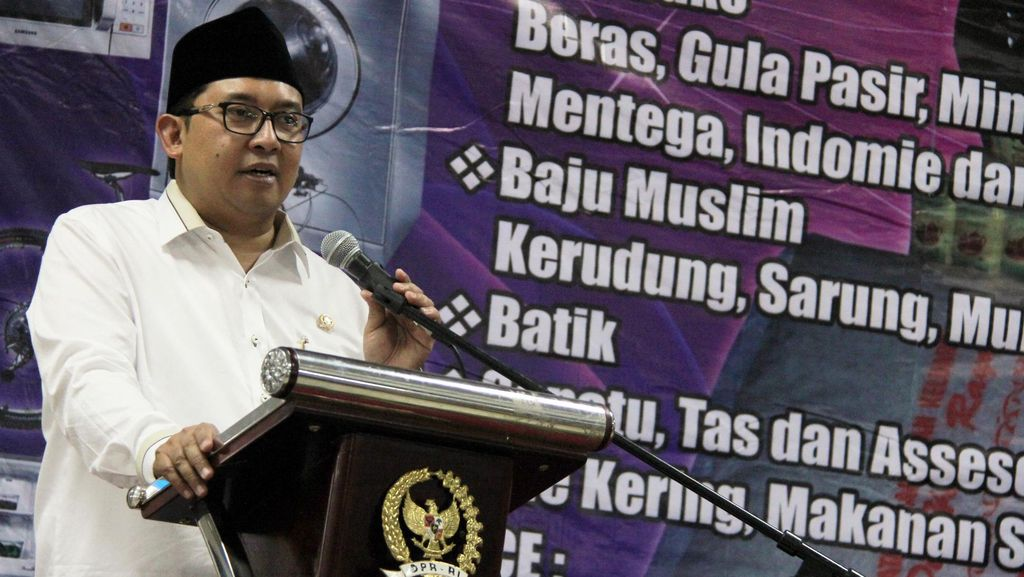 Fadli Zon Tutup Pasar Murah PIA DPR