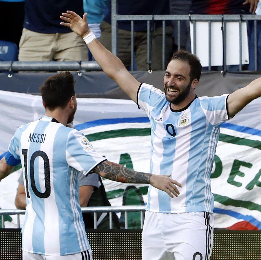 Messi Sebut Higuain sebagai Salah Satu Striker Terbaik Dunia