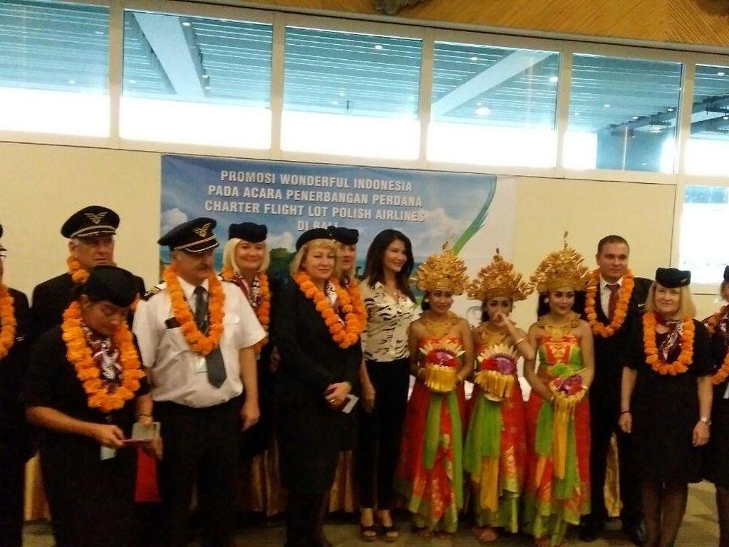Momen Bersejarah, Kini Ada Penerbangan Langsung dari Warsawa ke Denpasar