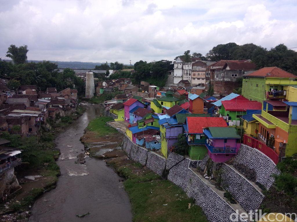 Ini Bukan di Luar Negeri tapi di Malang, Kampung Warna-warni di Pinggir Kali
