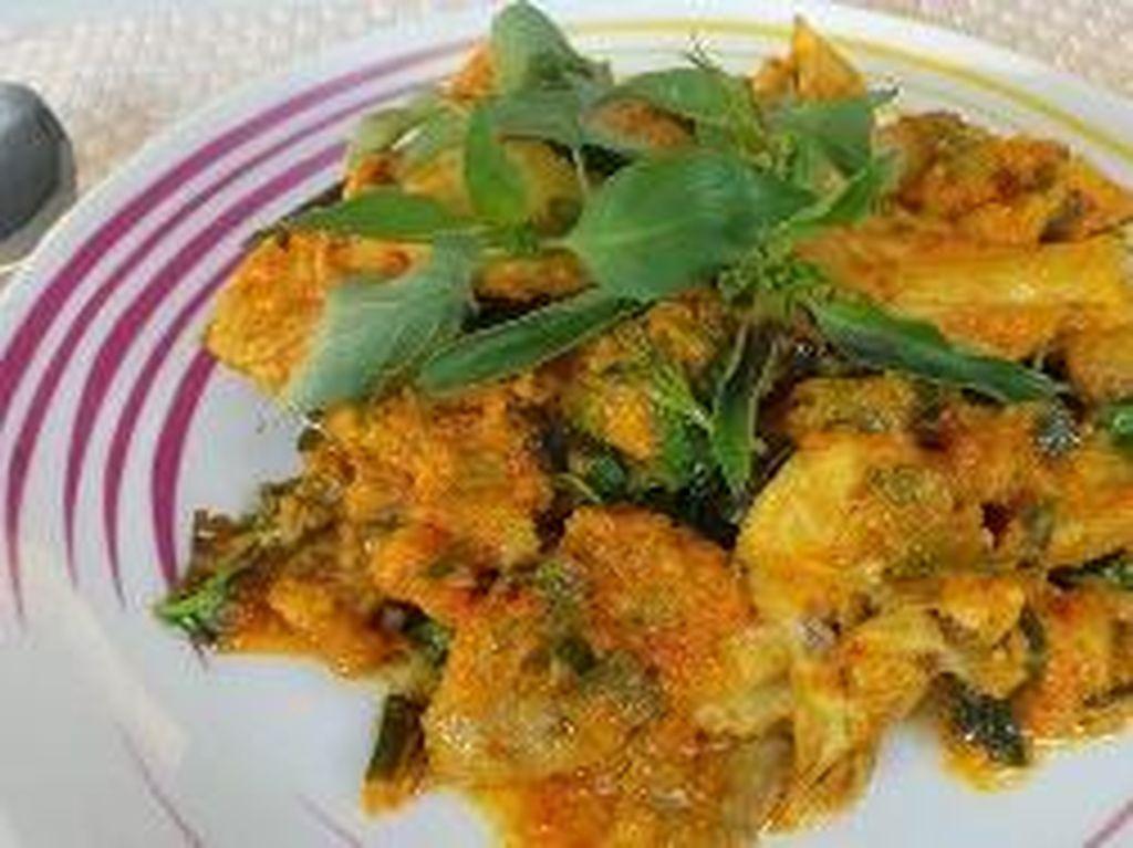 Masak Apa Hari Ini : Ayam Woku dan Garo Bunga Pepaya Kaya Nutrisi