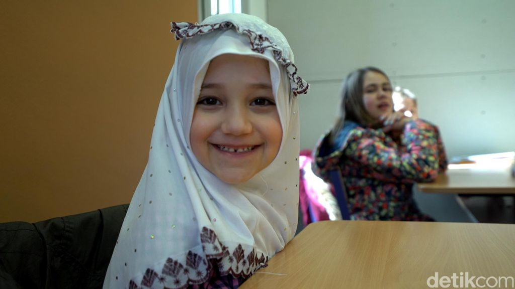 Ketika Anak-anak Muslim di Budapest Belajar Alquran