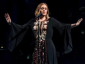 Pernah Perdarahan Pita Suara, Adele Dilarang Makan Pizza