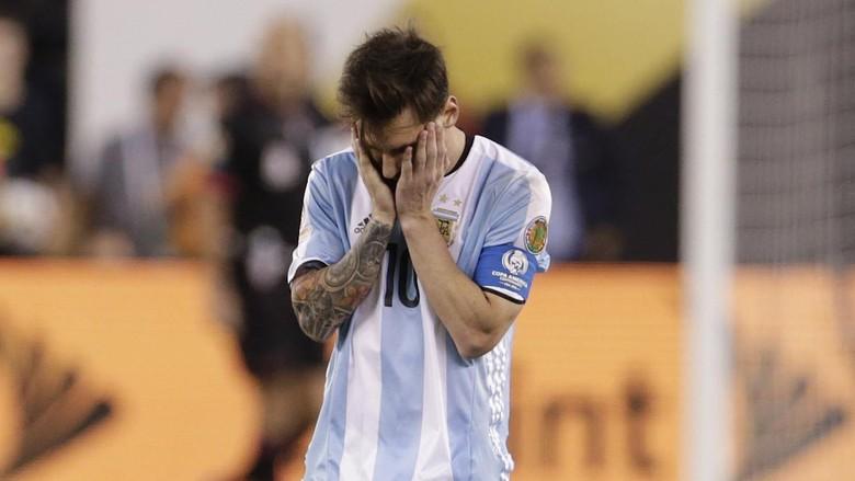 Maradona Sebut Messi Tak Pantas Jadi Kapten