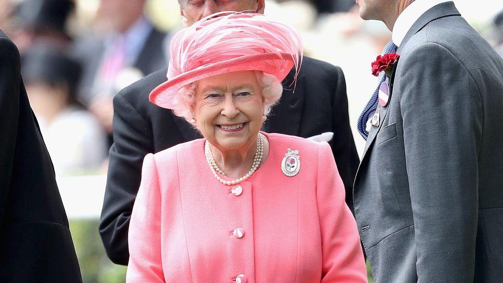 Terungkap Hadiah Ultah Ratu Elizabeth II, dari Garam Sampai Kuda