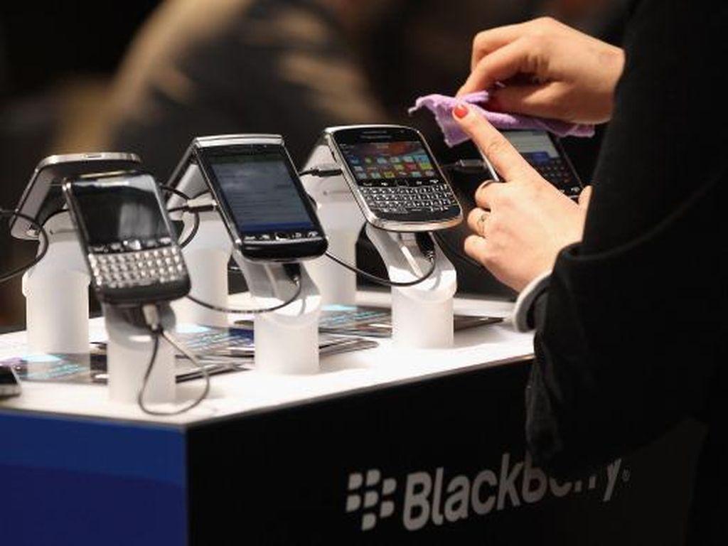 Bos BBM Kok Tak Pakai BlackBerry Lagi?