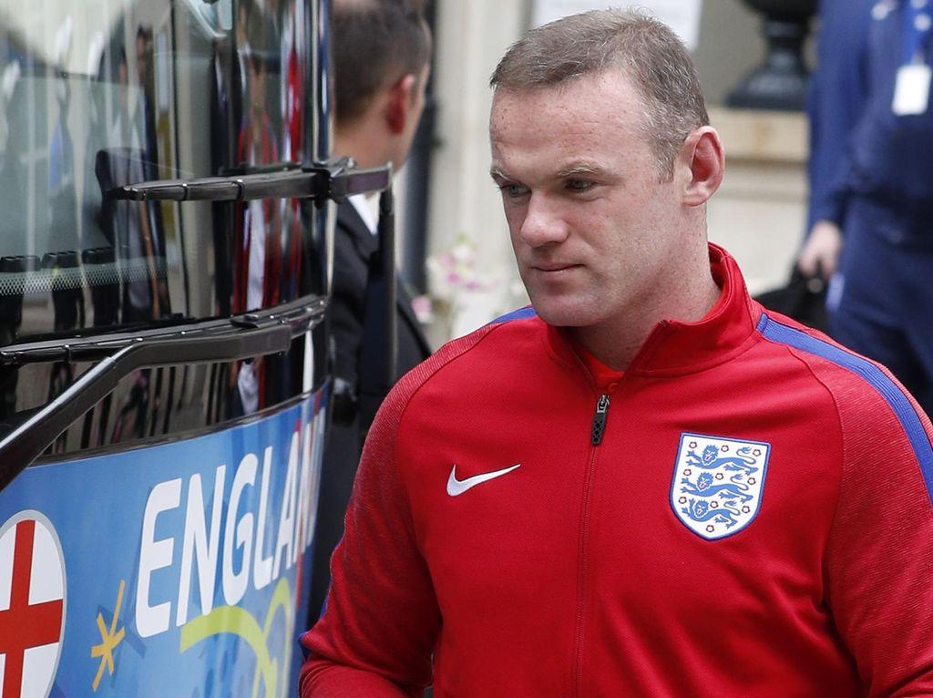 Eriksson Sarankan Allardyce Pertahankan Rooney sebagai Kapten