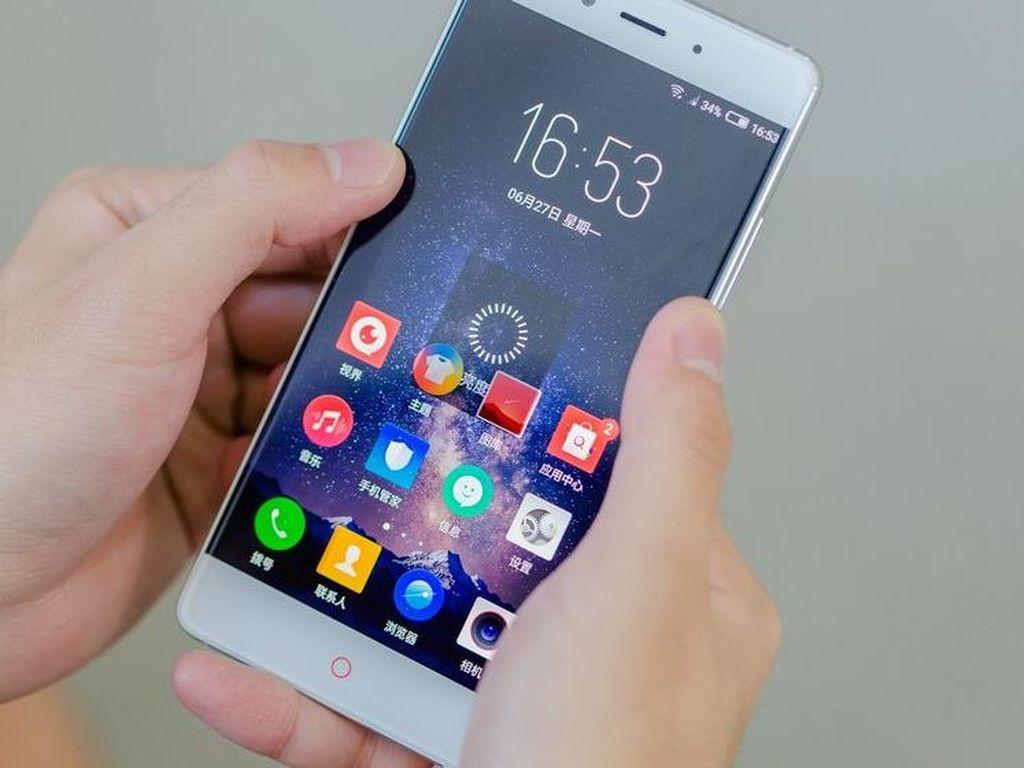 Lebih Dekat dengan Android Tanpa Bezel Nubia Z11