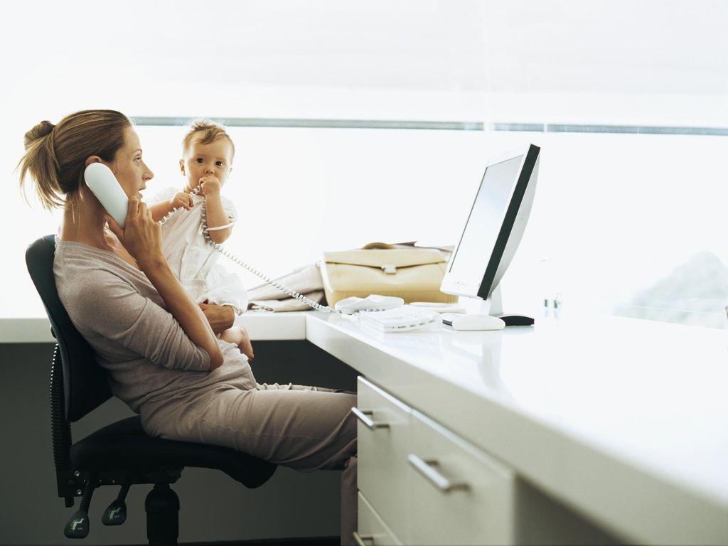 Pekerjaan yang Cocok untuk Ibu 28 Tahun, Wirausaha atau Kantoran?