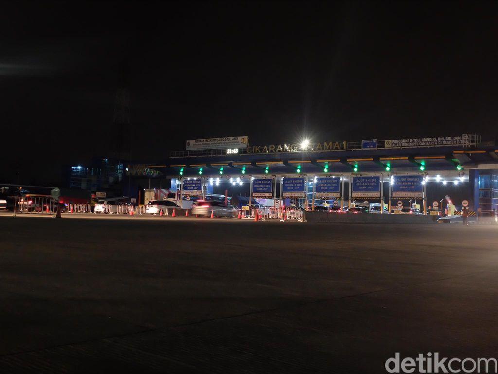 Kondisi Lalin di Ruas Tol Jakarta sampai Cikarut Lancar