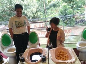 Kisah Kafe Jamban di Semarang yang Tuai Pro Kontra, Mau Coba?
