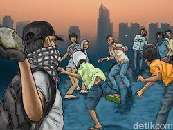 Puluhan Pemuda Bertopeng Tawuran Pakai Sajam-Besi, Polres Baubau Bergerak