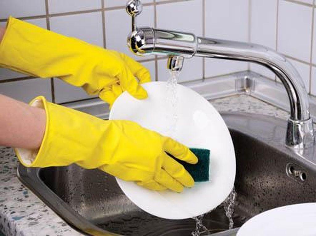 Ilmuwan Italia Temukan Alat Pencuci Pring Self-Cleaning Metal yang Praktis
