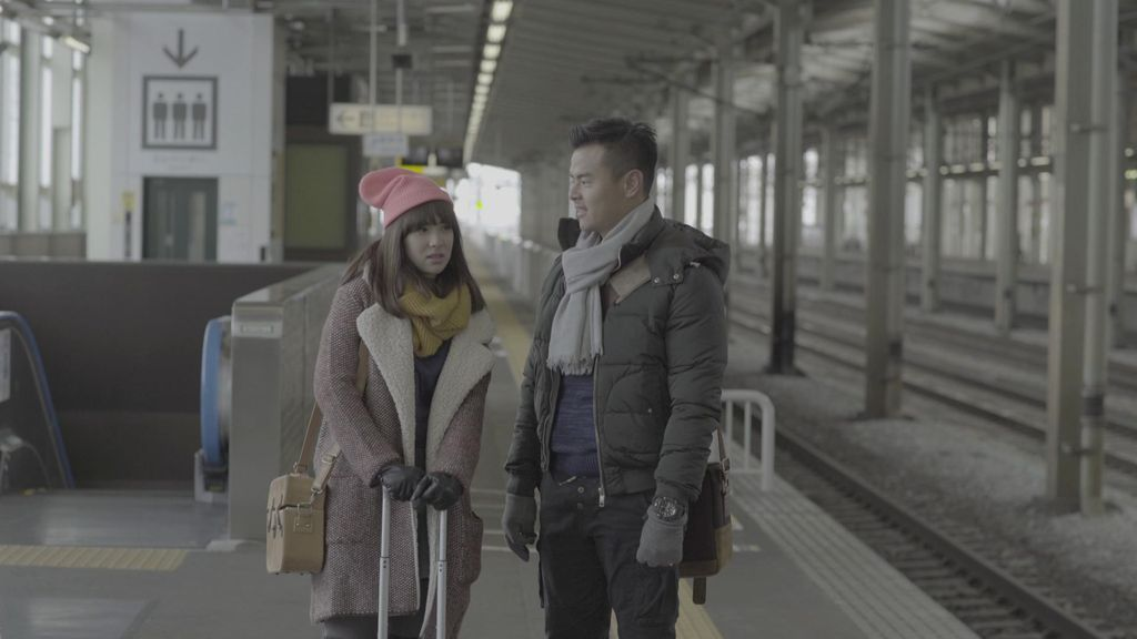 Romantisme Dion Wiyoko dan Pamela Bowie di film Winter in Tokyo