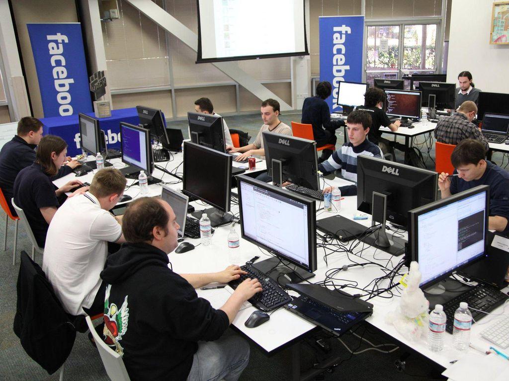 Karyawan Facebook Bunuh Diri di Kantornya