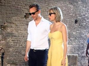 Tom Hiddleston Lelah dengan Sikap Posesif Taylor Swift?